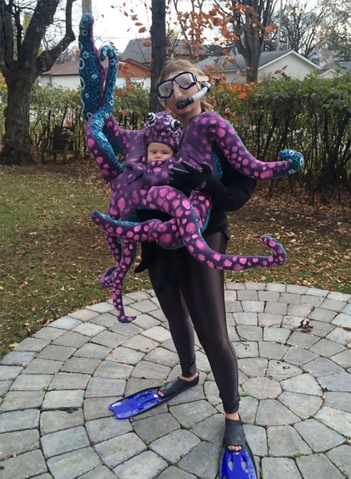 baby-carrier-halloween-costumes-130-59edd77317ca6__700.jpg