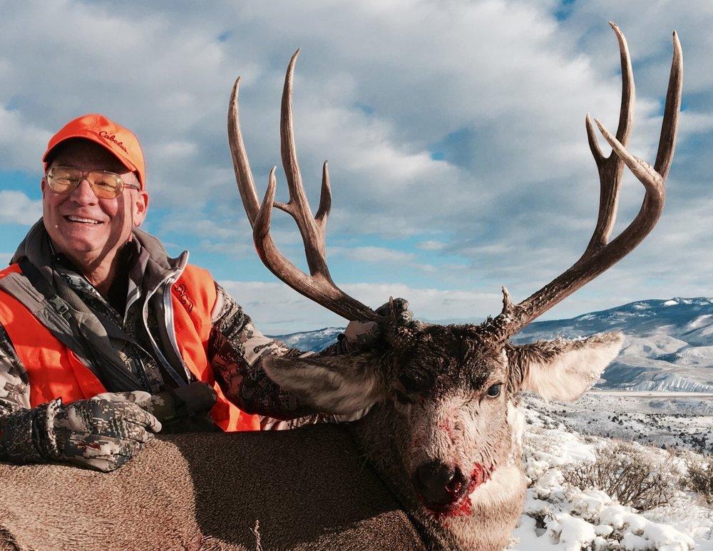 Dave Chr mule deer buck with Bull Basin.jpg