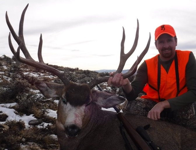 Andy B trophy Colorado buck.jpg