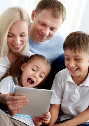 Tech troubles at your school or home? If your child has problems with sexting, cyber bullying, game addiction or social media the ICMC can help. Call us about  Digital LaunchPad: Building Healthy Tech Habits for your school, PTA or parent group:773-528-6854, or email  workshops@icmediacenter.org