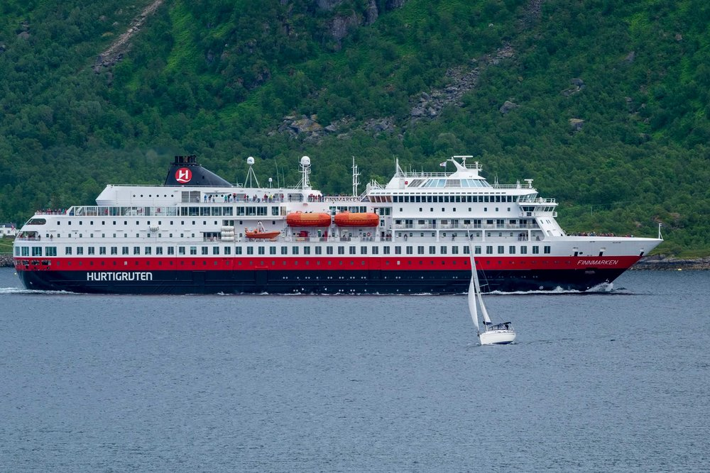 Havelle meets Hurtigruten, one of many close encounters