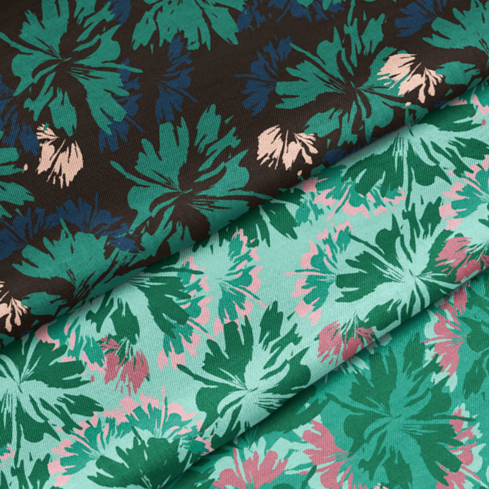 Graphic Tropical Hibiscus Print