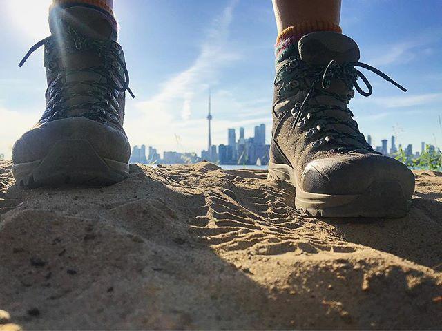 These boots are made for walkin . . . #brucetrail #hiking #walk #ontario #toronto  #torontoisland #wednesdaywalk #getoutside #optoutside #neverstopexploring #exploreontario #adventure #niagaraescarpment #hikingontario #nature #endtoend #trailraisers #fundraiser @mec_toronto @scarpana