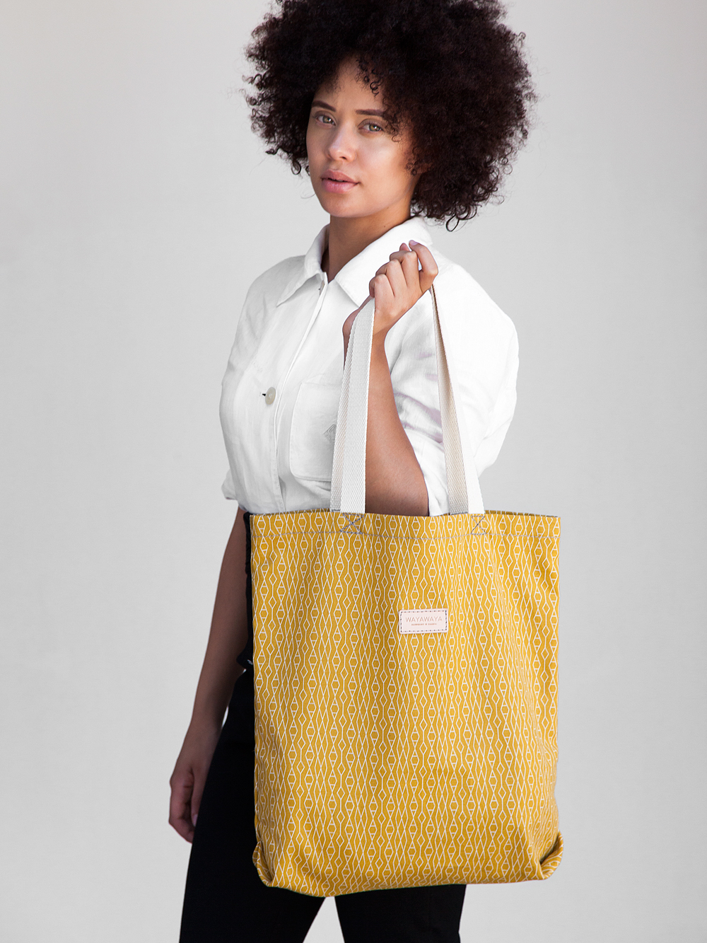 Alex-WAYAWAYA-Tote-Yellow-01.jpg