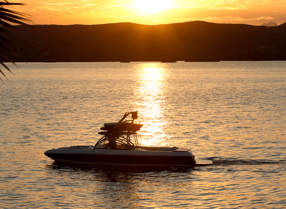 Boat_sunset.png