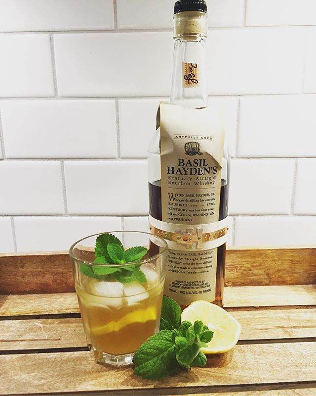 Classic Bourbon Smash with Basil Hayden's and freshly picked mint 🖤🌿🥃 2 oz Bourbon • .5 oz Simple • .5 Lemon • 4 Mint Leaves • Mint + Lemon for garnish . . . #bourbon #cocktail #cocktails #cocktailporn #cocktailrecipe #classiccocktails #bourbonsmash #basilhayden #ok #okc #oklahoma #oklahomacity #drinklocal