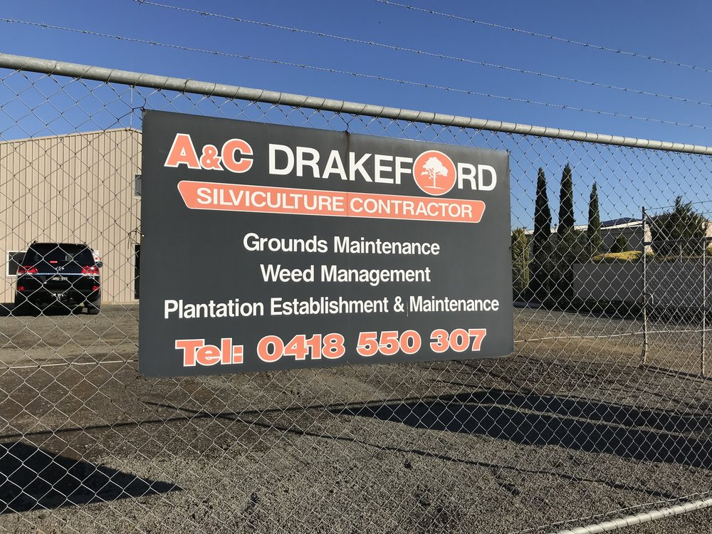 A and C Drakeford.JPG