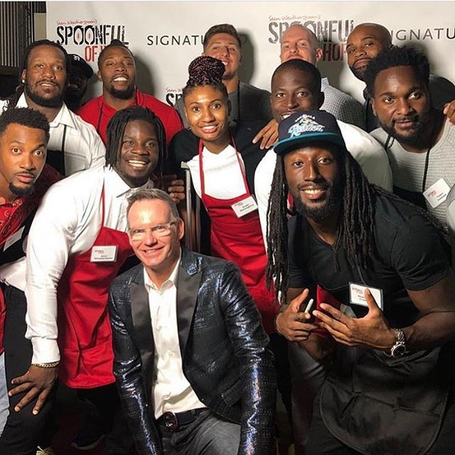 Great night at the 5th Annual Celebrity Waiter Night. I still don't know how we all fit in this picture.  #SpoonfulOfHope @spoonjones56