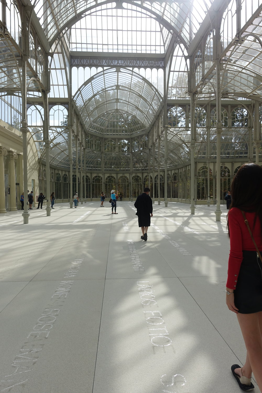 Doris Salcedo, at the Palacio de Cristal, Madrid, 2017. Photo Julie Ewington