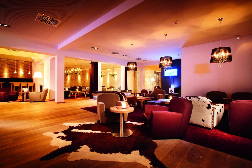 pentahotel Wiesbaden Lounge 2.jpg