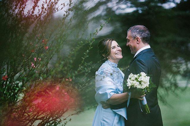 Il matrimonio è come quel bellissimo sogno che al mattino non riesci a ricordare. Scegli il fotografo giusto per te (ce n'è solo uno!) perché niente vada perso. Il mio approccio è come una volta: le persone al centro di tutto. Contattami se vuoi saperne di più! :-)