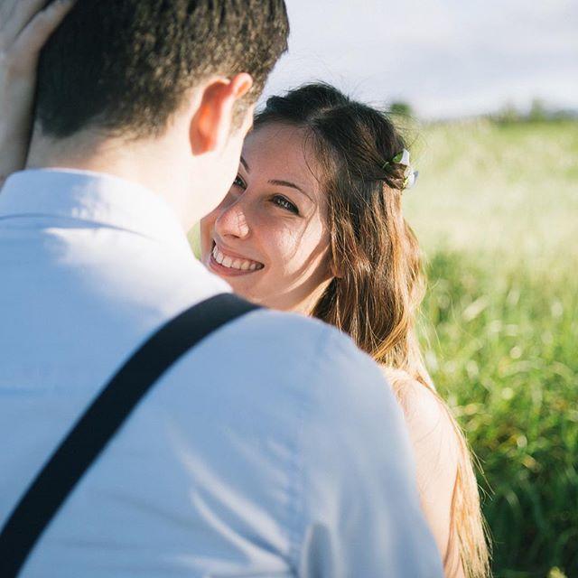 | Sapevi che te lo regalo? | Il servizio fotografico pre-matrimoniale è in regalo. Una garanzia in vista del giorno del matrimonio e un'occasione per conoscerci. E quando sarà l'ora delle foto al matrimonio, tu e il tuo sposo sarete molto più sciolti!