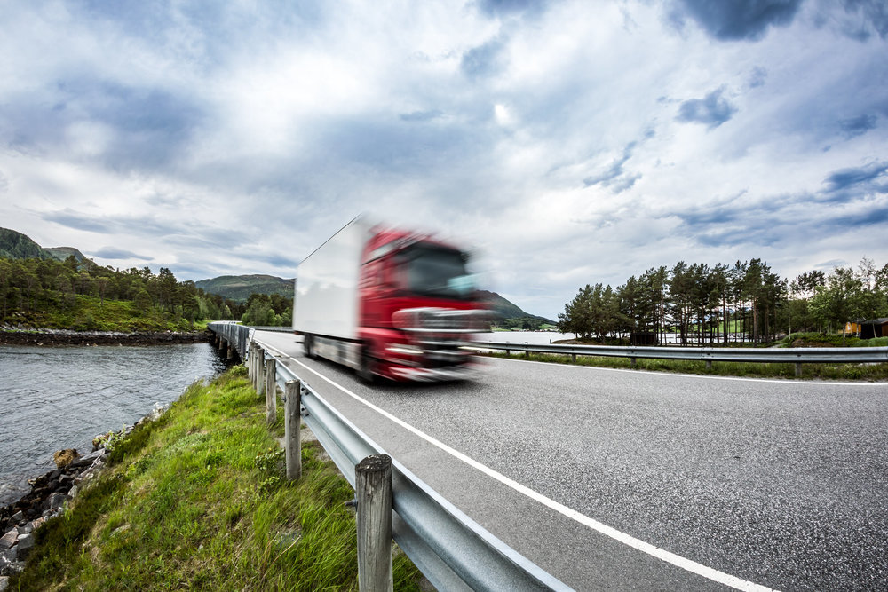 fuel-truck-rushes-down-the-highway-norwey-truck-P9ZBVCY.jpg