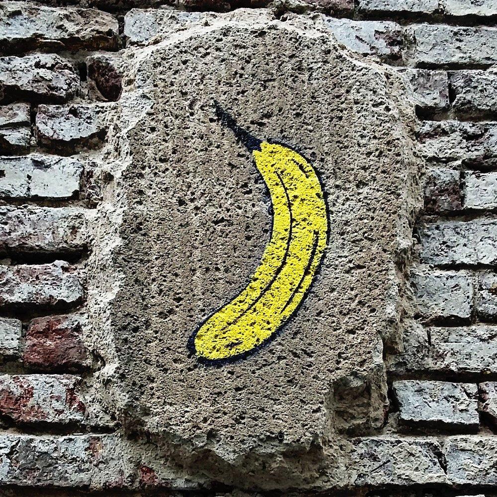 Banana-auf-wand.jpg