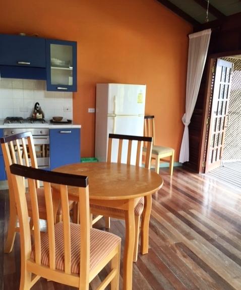 cottage living_IMG_1459.JPG