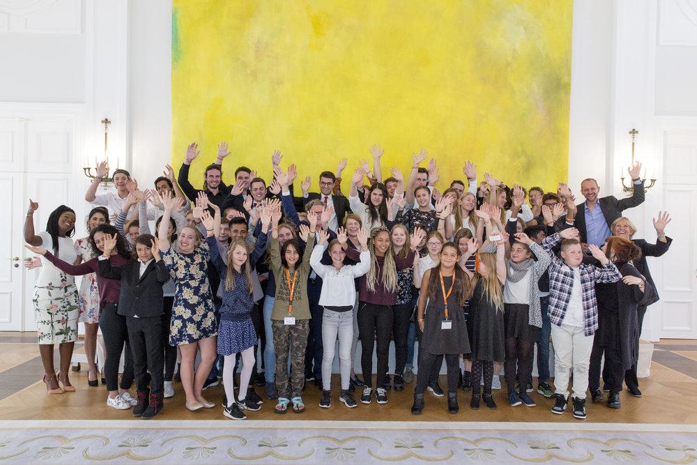 Die Sieger 2018 werden wie die hier im Bild zu sehenden Sieger 2017 in Schloss Bellevue empfangen. (Fotografin: Merlin Nadj-Torma)