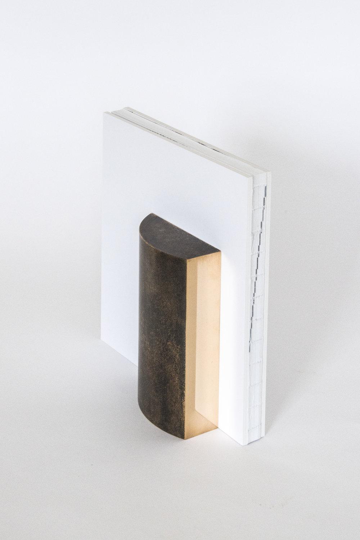 Trofee Cultuurfonds met boek 2.jpg