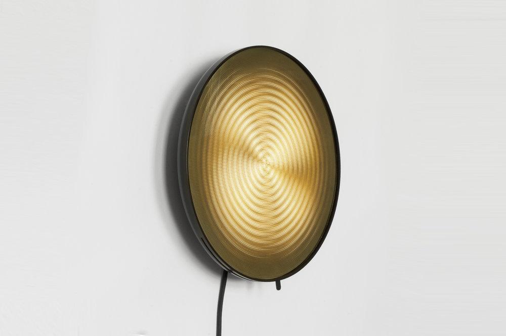 Moire light Circles side-David Derksen Design Studio.jpg