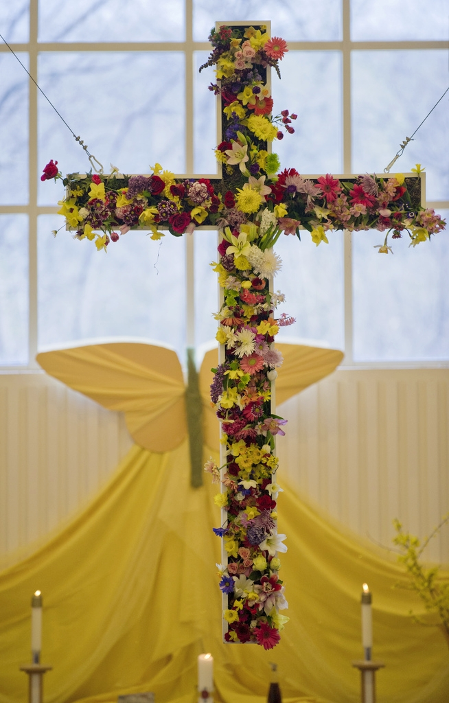The annual flowering of the cross on Easter Sunday