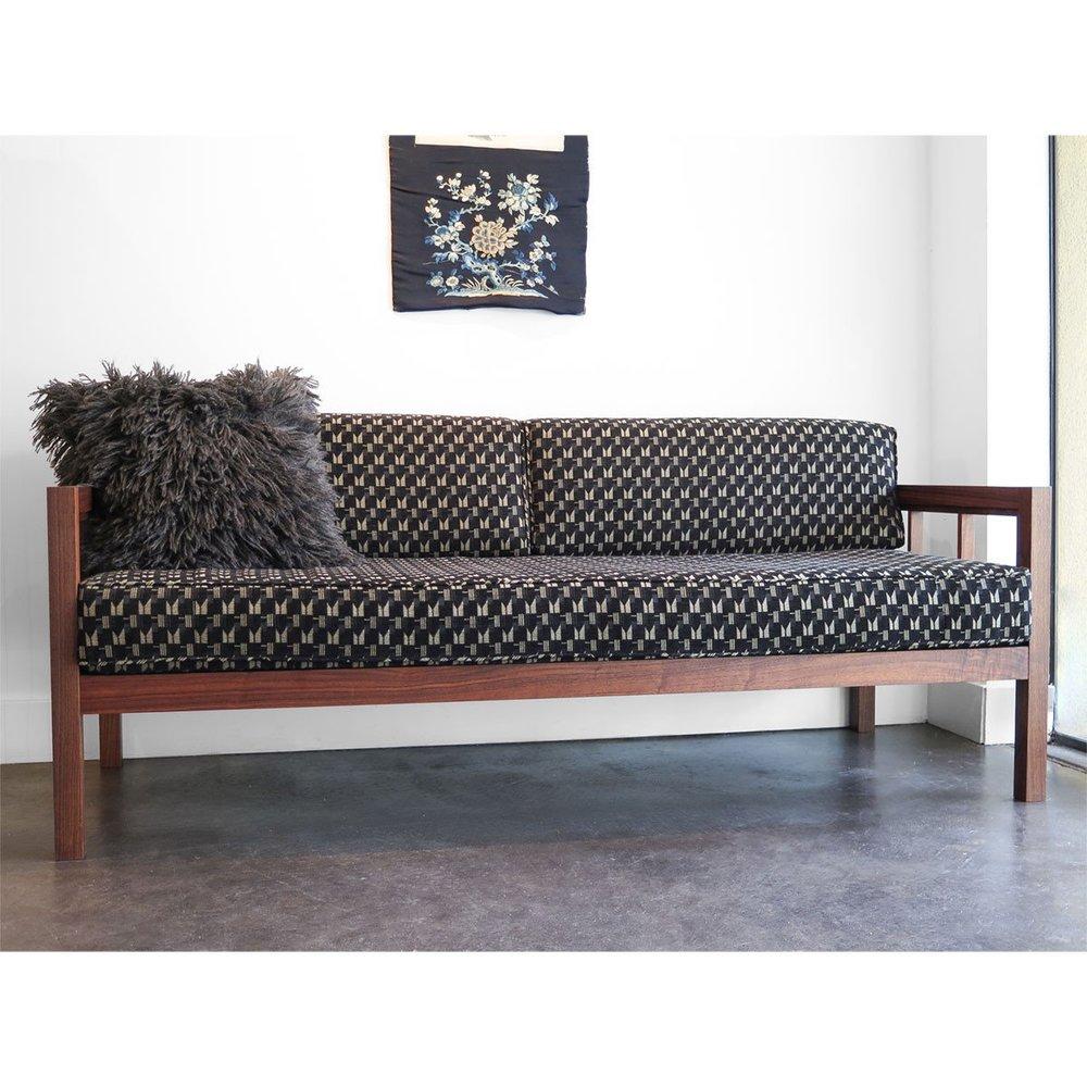 ciervo-sofa-1-web_2048x2048.jpg