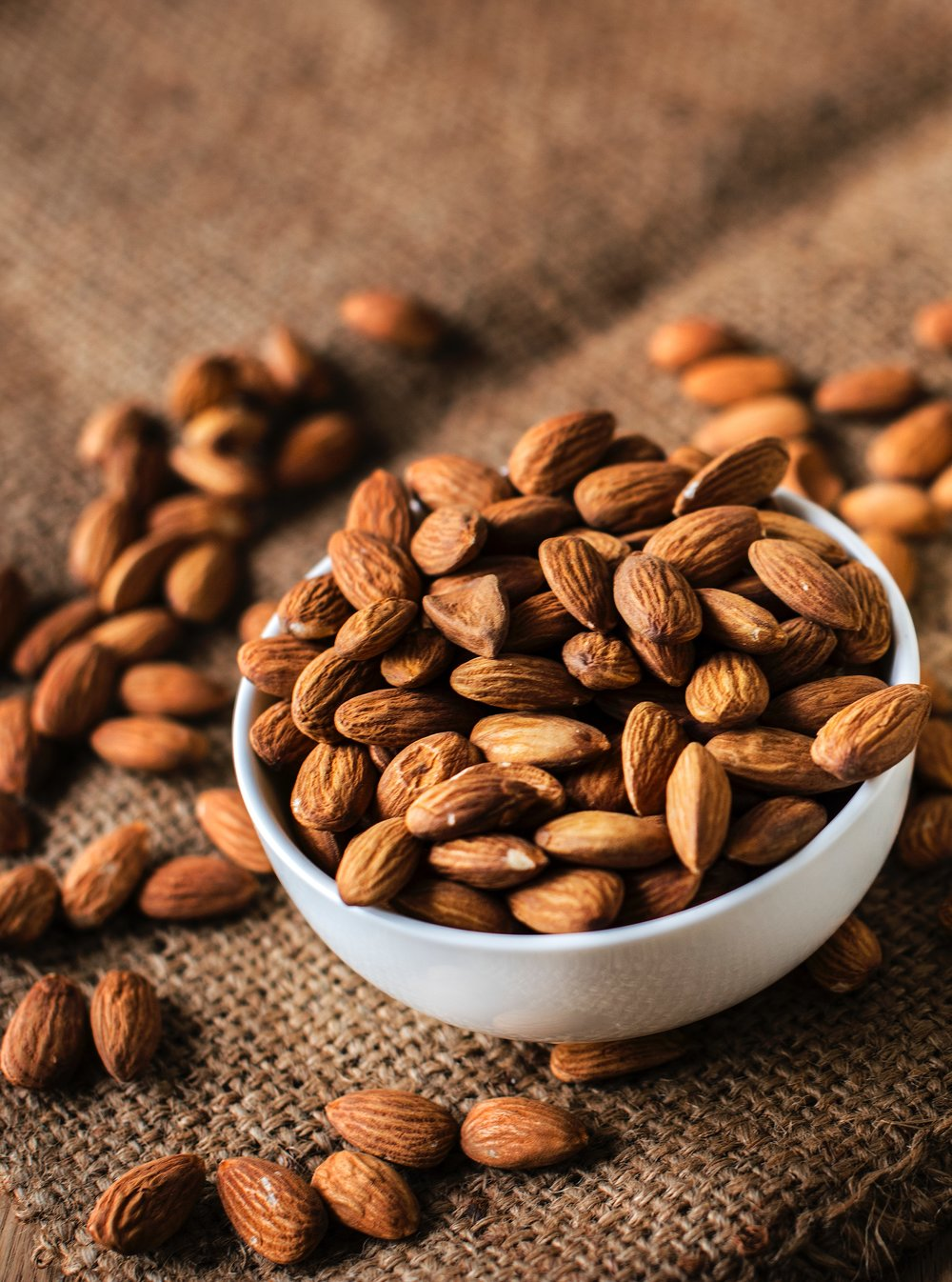 almond-nut-organic-1171555.jpg