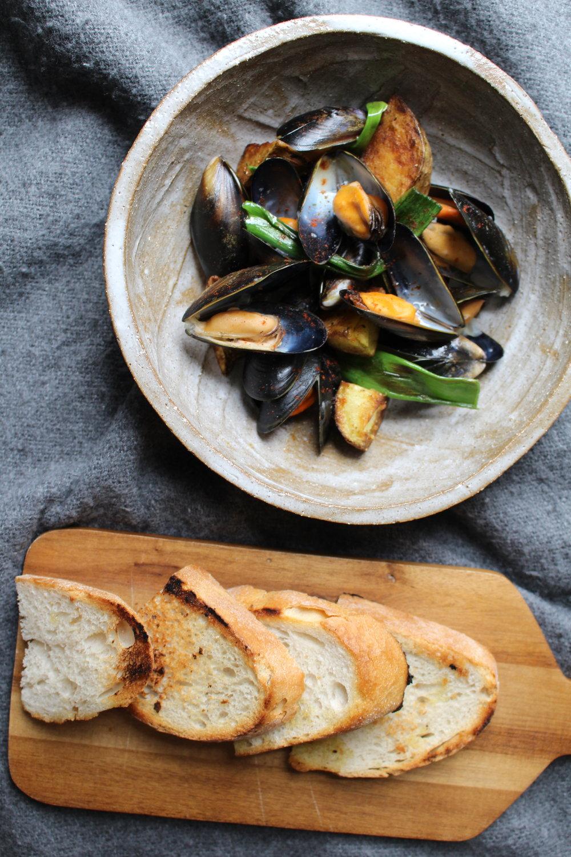 musselsandbread.JPG