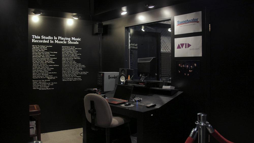 studio09.jpg