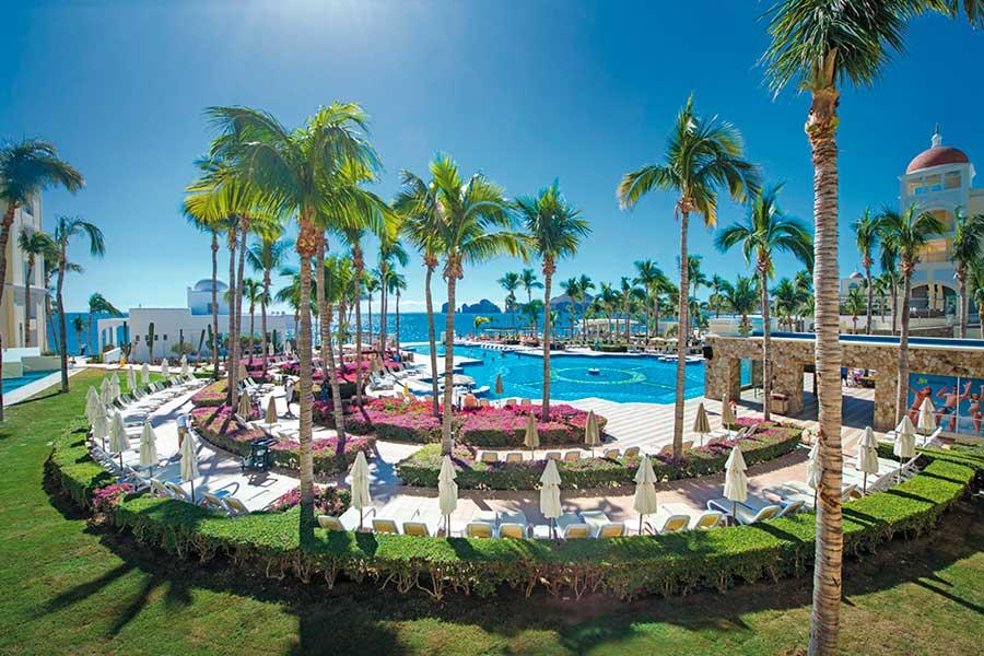 piscina-hotel-riu-palace-cabo-san-lucas_tcm57-169378.jpg