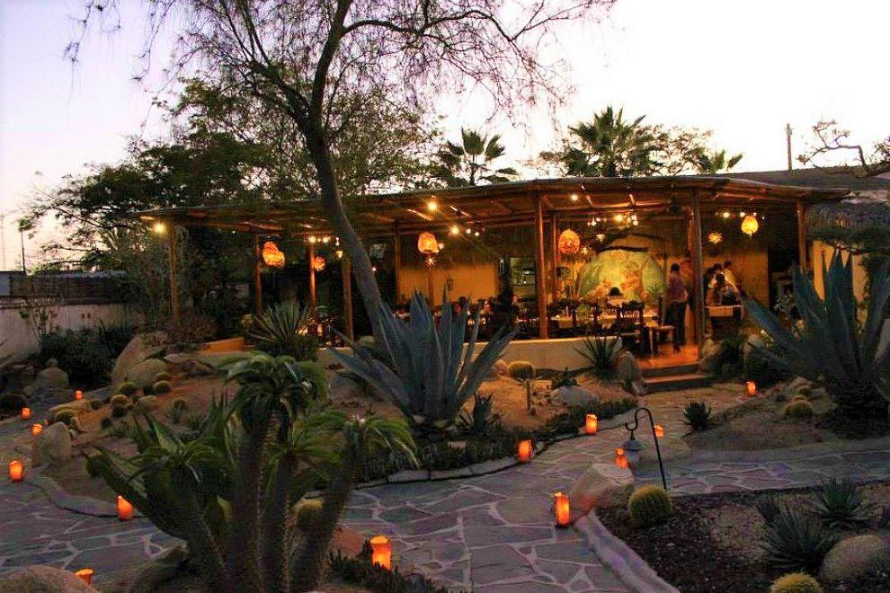 los-adobos-restaurant-2.jpg