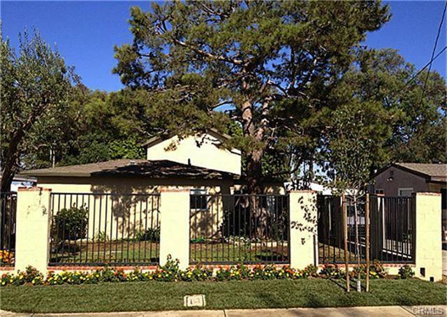 2052 Pomona Ave, Costa Mesa   $680,000  2 Units   $349,950/unit   1,651 SqFt   Built in1949   $411.87/sqft