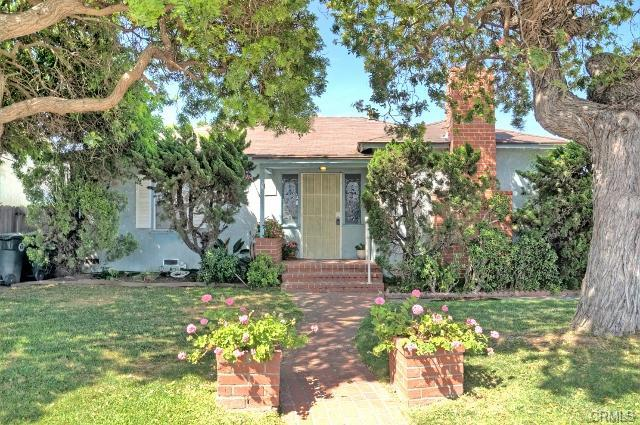156 Costa Mesa St, Costa Mesa   $760,000  SFR | 3 Beds | 2 Baths | 1,329 sqft | 7,405 sqft lot | Built in 1949 | $571.86/sqft