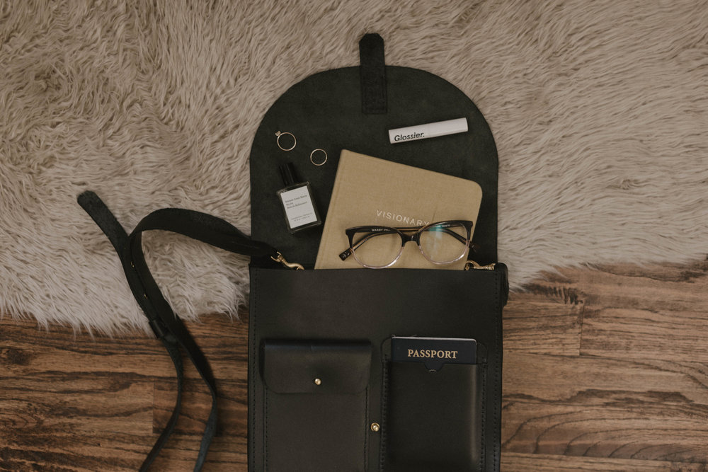 What's In My Bag | Aleah Eileen