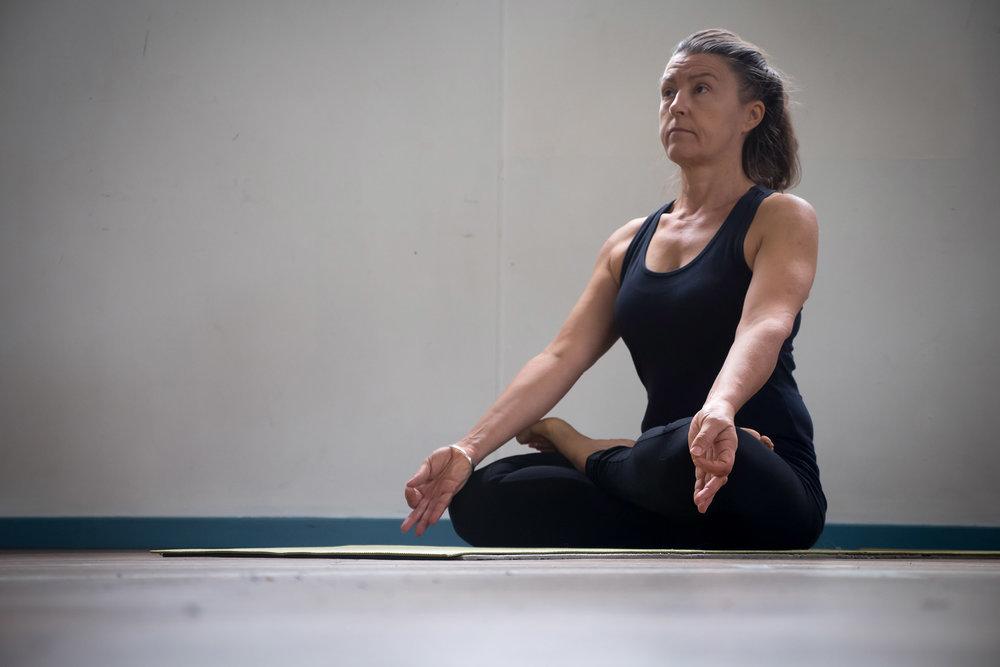 jan_yoga2.jpg