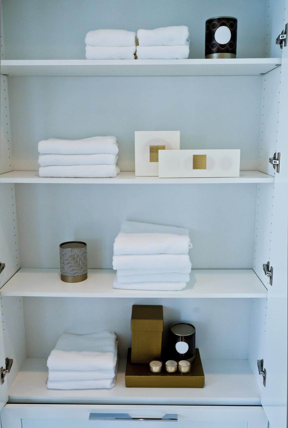 bath cabinet.jpg