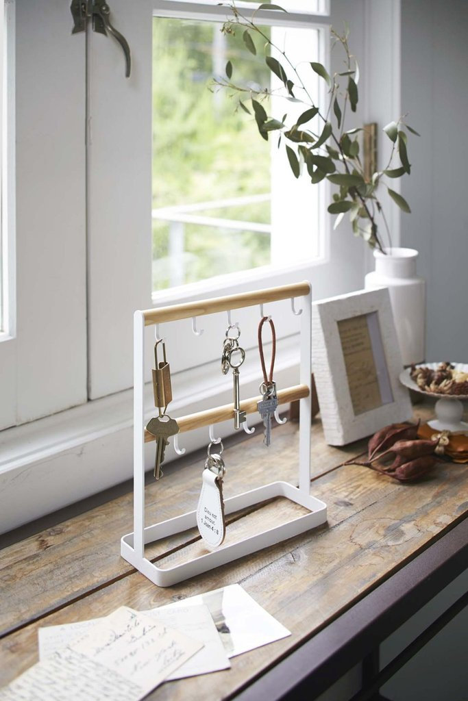 tosca key stand
