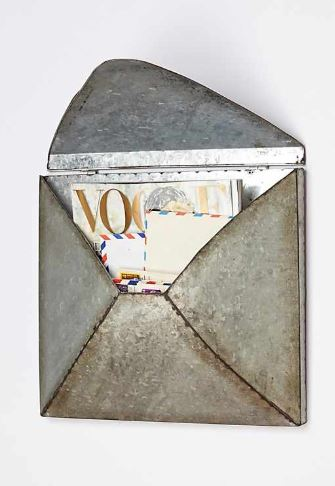welded letter holder