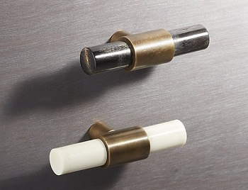 horn & bone knobs