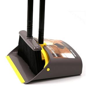 Like broom/dustpan