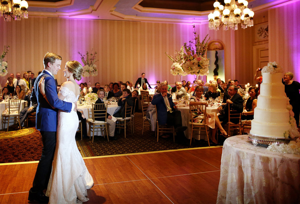 17-St-Paul-Minnesota-Wedding-Photography-by-Vick-Photography-Saint-Paul-Hotel-First-Dance-Leah-&-Charles.jpg