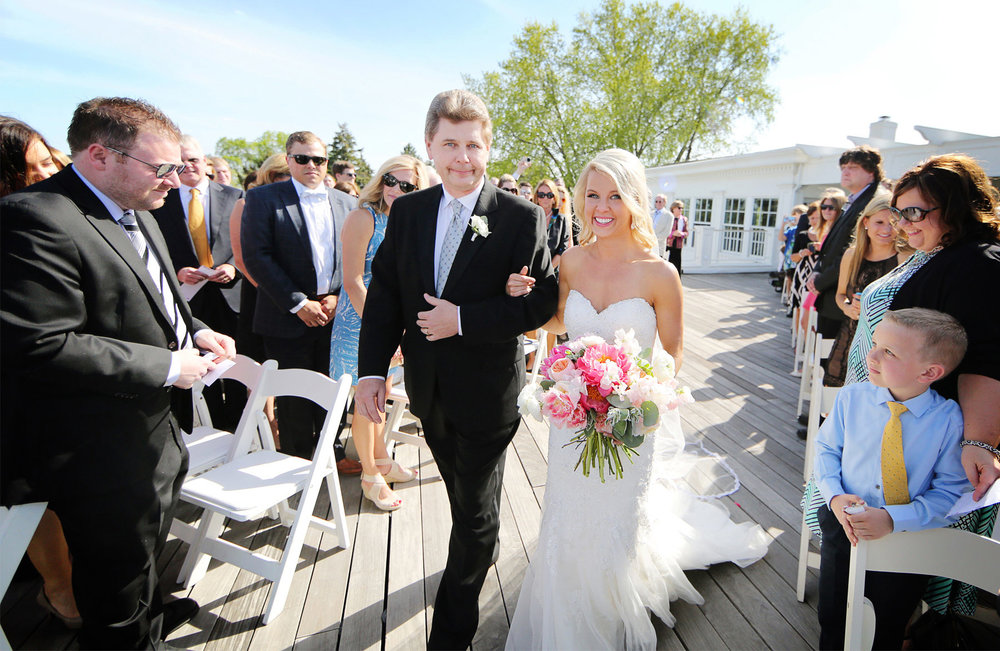 11-Minneapolis-Minnesota-Wedding-Photography-by-Vick-Photography-at-Minikahda-Country-Club-Outdoor-Ceremony-Sarah-&-Chad.jpg