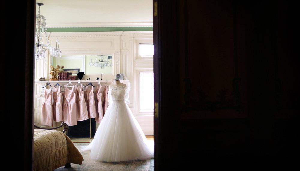 05-Minneapolis-Minnesota-Wedding-Photography-by-Vick-Photography--Van-Dusen-Mansion-Wedding-Dress-Bridesmaid-Dress.jpg