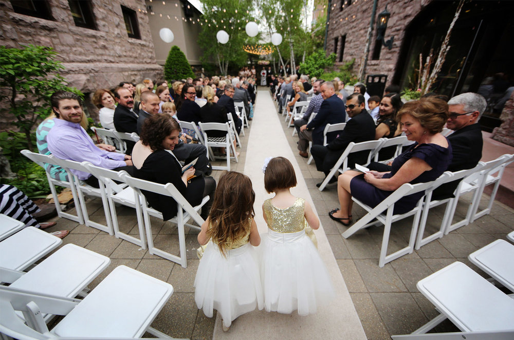 10-Minneapolis-Minnesota-Wedding-Photography-by-Vick-Photography--Van-Dusen-Mansion-Outdoor-Ceremony-Flower-Girls.jpg