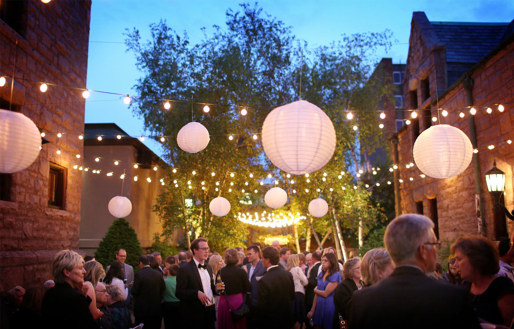16-Minneapolis-Minnesota-Wedding-Photography-by-Vick-Photography--Van-Dusen-Mansion-Outdoor-Reception.jpg