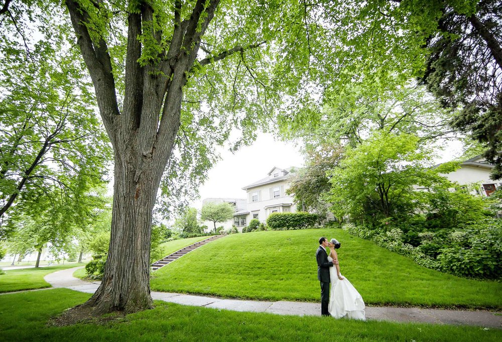 05-Minneapolis-Minnesota-Wedding-Photography-by-Vick-Photography-First-Look-Leticia-&-Jay.jpg