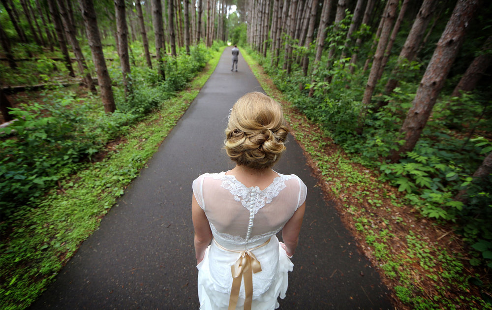 02-Minneapolis-MN-Wedding-Photography-by-Vick-Photography-Rustic-Forest-Woods-First-Look-Alyssa-&-Blake.jpg