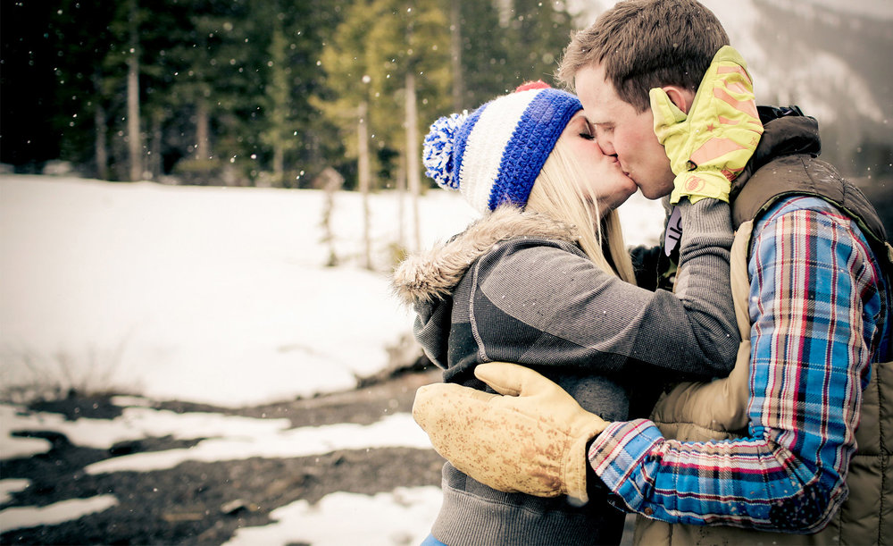01-Denver-Colorado-Vail-Engagement-Photography-by-Vick-Photography-Winter-Engagement-Rustic-Mountains-Lucy-&-Matt.jpg