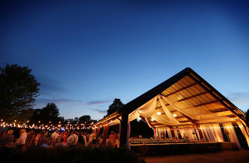 22-Minneapols-Minnesota-Wedding-Photography-by-Vick-Photography--Bluff-Creek-Golf-Club-Reception-Gretchen-&-Peter.jpg