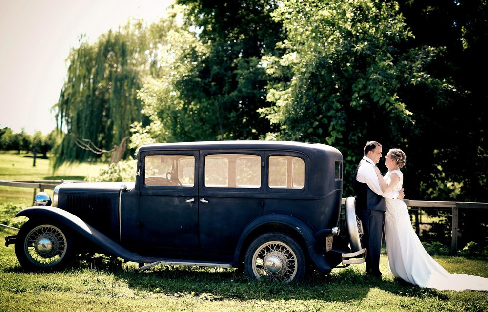 04-Minneapolis-Minnesota-Wedding-Photography-by-Vick-Photography-Minnesota-Harvest-Apple-Orchard-First-Look-Vintage-Car-Emilie-&-Giovanni.jpg