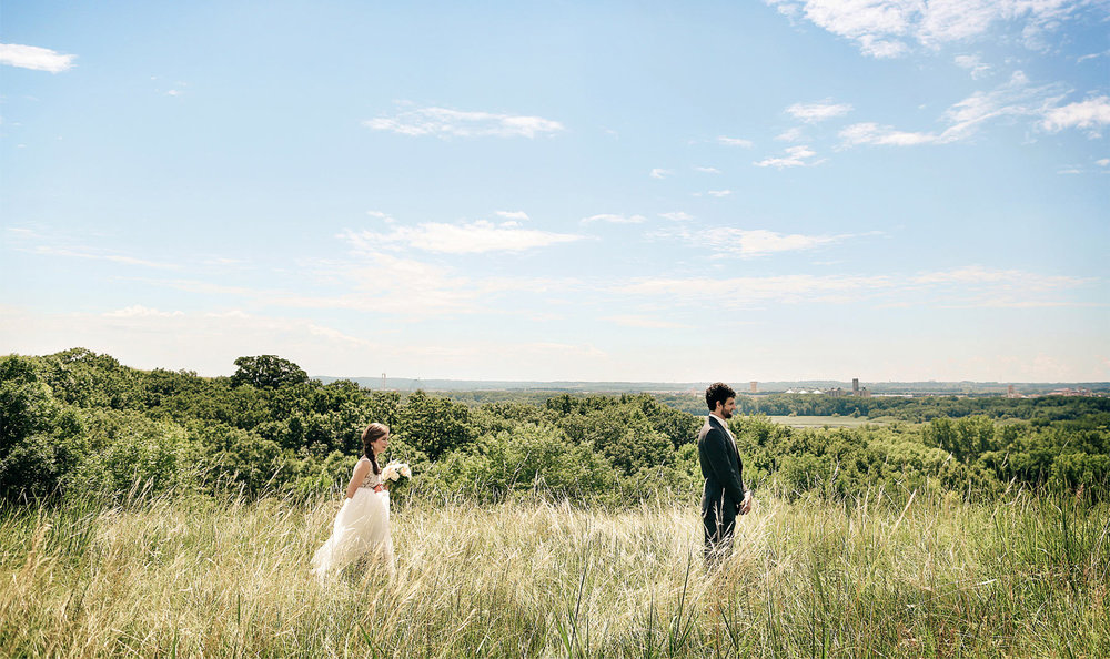03-Minneapolis-Minnesota-Wedding-Photography-by-Vick-Photography-Field-Blue-Sky-First-Look-Sarah-&-Tom.jpg