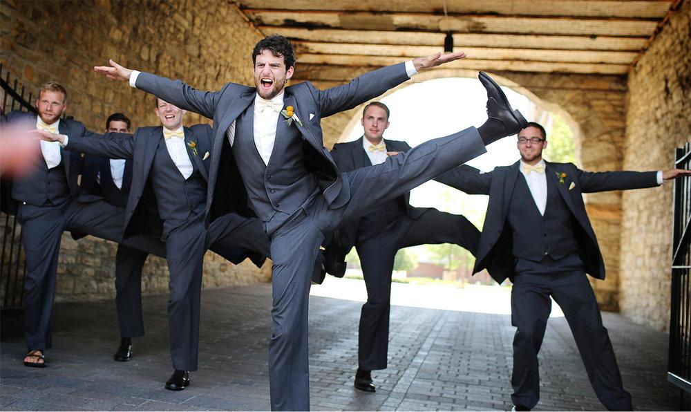 11-Minneapolis-Minnesota-Wedding-Photography-by-Vick-Photography-Downtown-Wedding-Party-Group-Dancers-Sarah-&-Tom.jpg